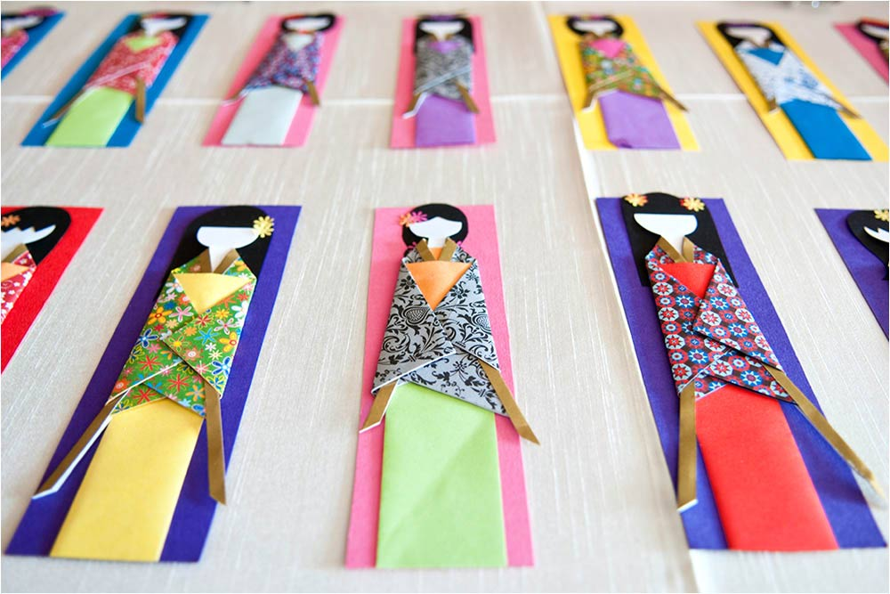 Paper book mark place settings made as japanese dolls